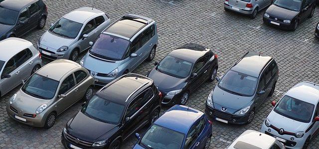 Kontrolle von Privatparkplätzen durch die Stadt